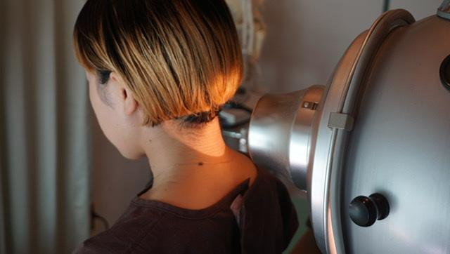 首の可視総合光線療法